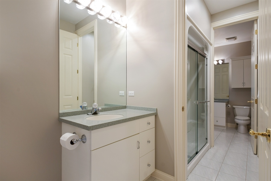 Real Estate Photography - 845 S Belmont Ave, Arlington Heights, IL, 60005 - 2nd Bathroom