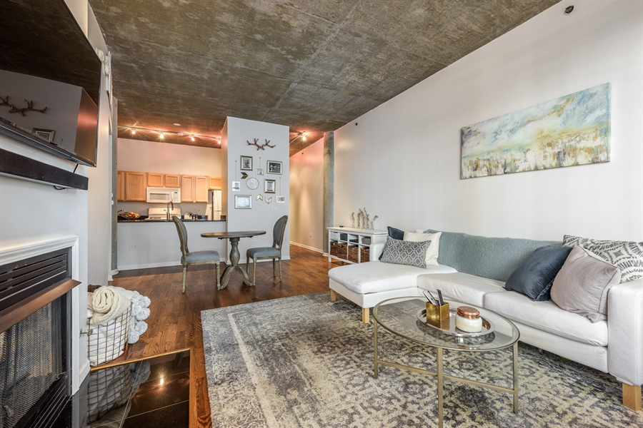 Real Estate Photography - 125 E 13th St, 615, Chicago, IL, 60605 - Living Room
