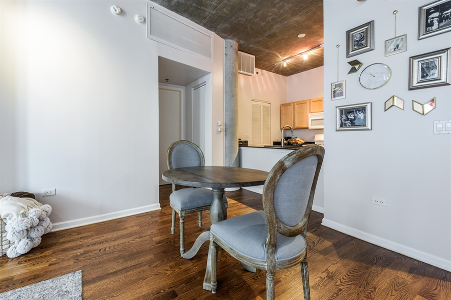 Real Estate Photography - 125 E 13th St, 615, Chicago, IL, 60605 - Dining Room