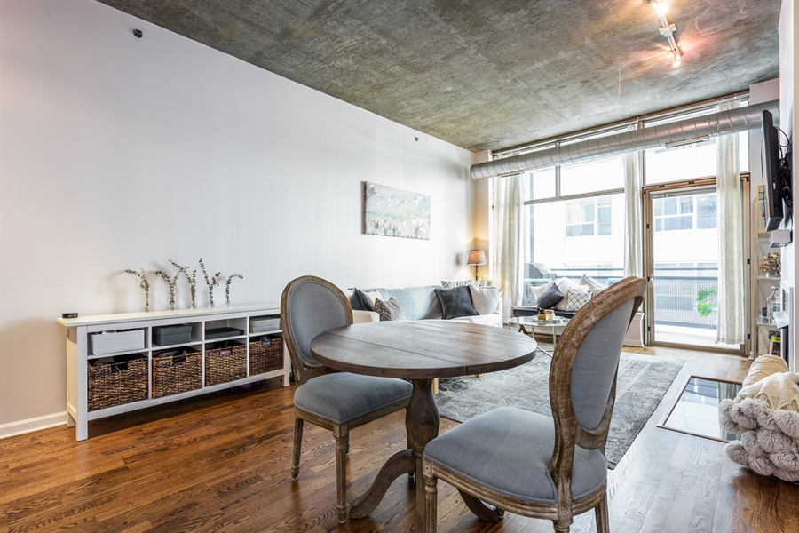 Real Estate Photography - 125 E 13th St, 615, Chicago, IL, 60605 - Dining Area