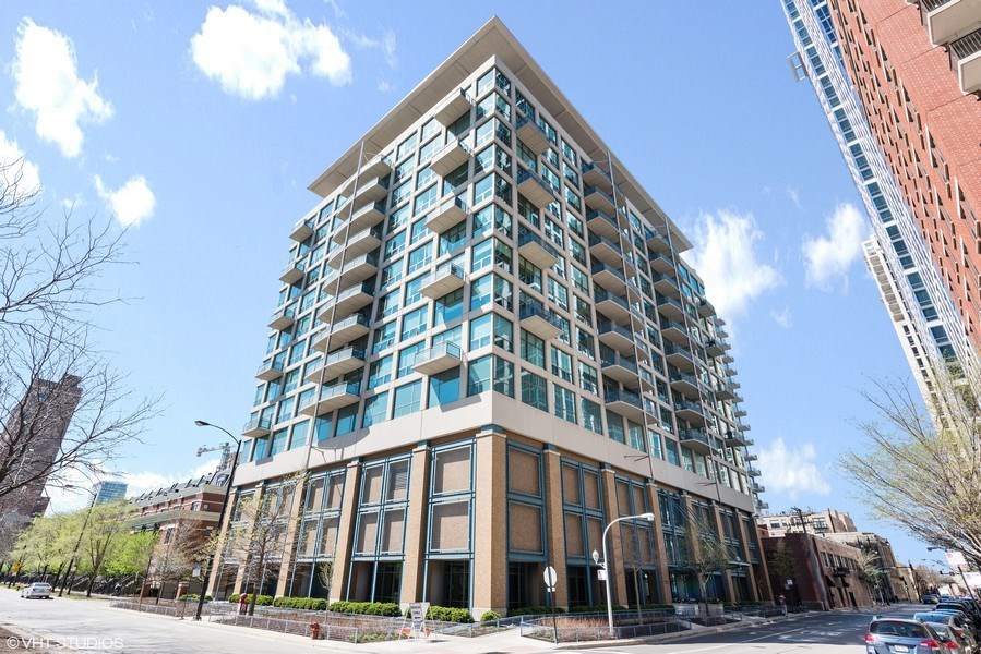 Real Estate Photography - 125 E 13th St, 615, Chicago, IL, 60605 - Front View