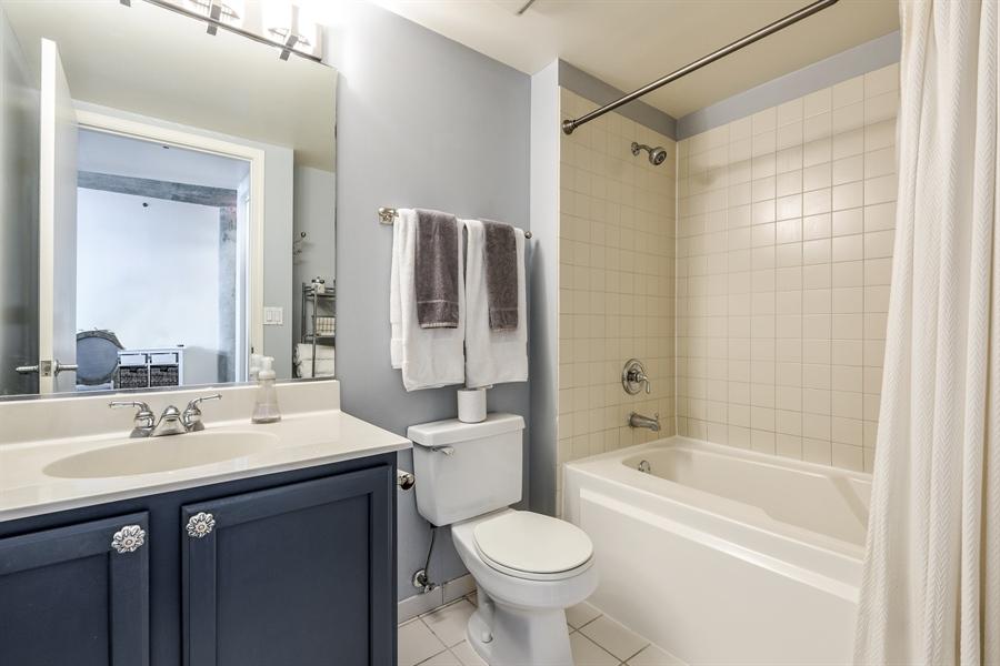Real Estate Photography - 125 E 13th St, 615, Chicago, IL, 60605 - Bathroom