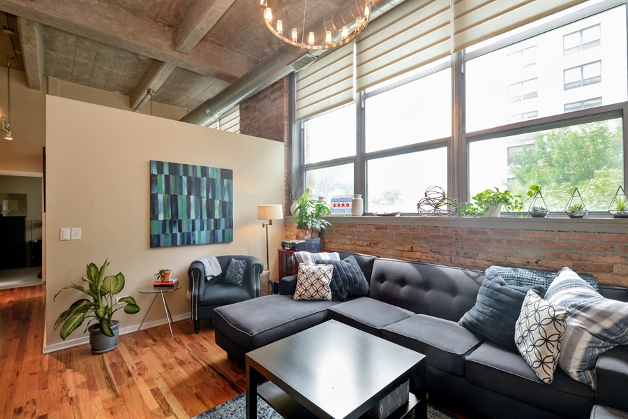 Real Estate Photography - 1735 N Paulina, 310, Chicago, IL, 60622 - Living Room