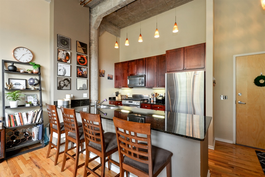 Real Estate Photography - 1735 N Paulina, 310, Chicago, IL, 60622 - Kitchen