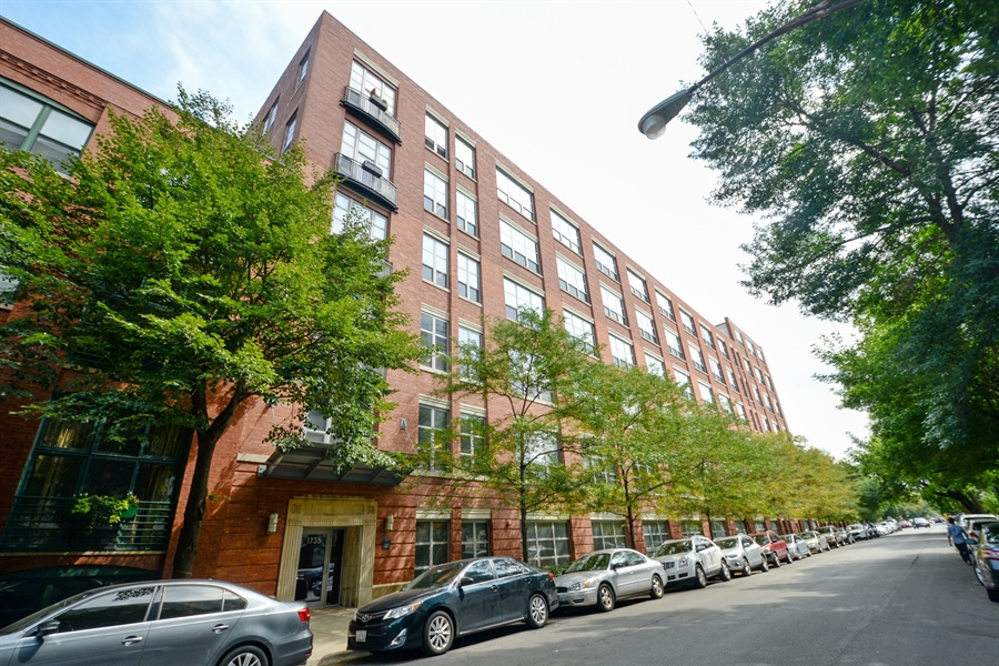 Real Estate Photography - 1735 N Paulina, 310, Chicago, IL, 60622 - Front View