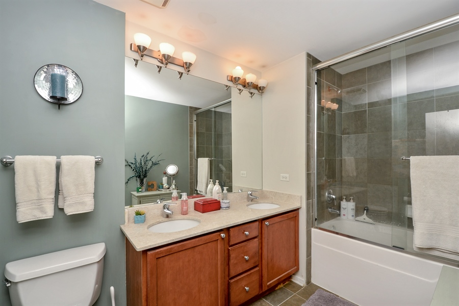 Real Estate Photography - 1735 N Paulina, 310, Chicago, IL, 60622 - Bathroom
