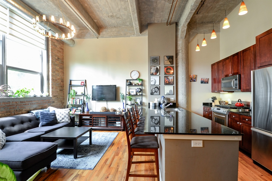 Real Estate Photography - 1735 N Paulina, 310, Chicago, IL, 60622 - Kitchen / Living Room