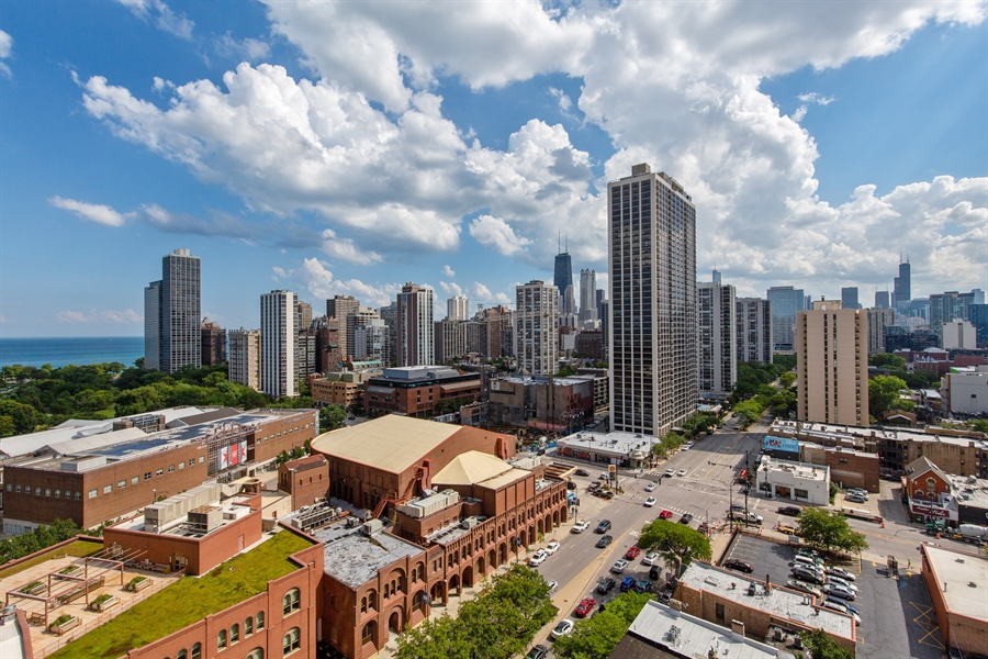 Real Estate Photography - 1660 N Lasalle Dr, 1702, Chicago, IL, 60614 - View