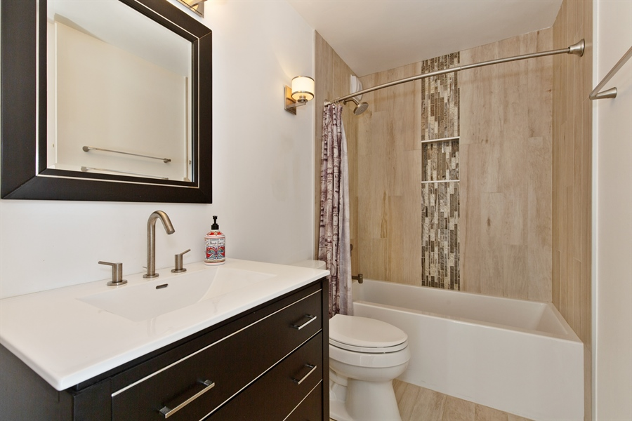 Real Estate Photography - 1660 N Lasalle Dr, 1702, Chicago, IL, 60614 - 2nd Bathroom