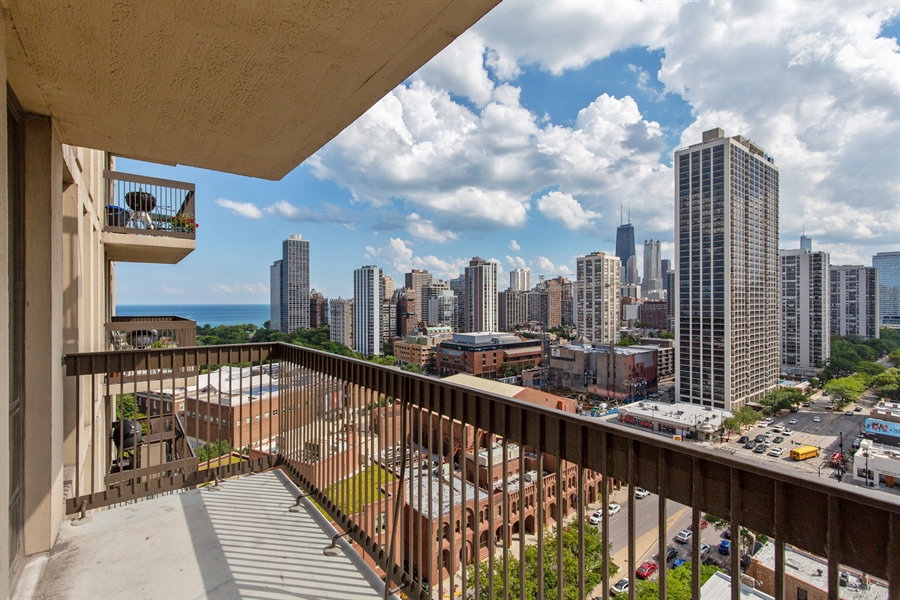 Real Estate Photography - 1660 N Lasalle Dr, 1702, Chicago, IL, 60614 - Balcony