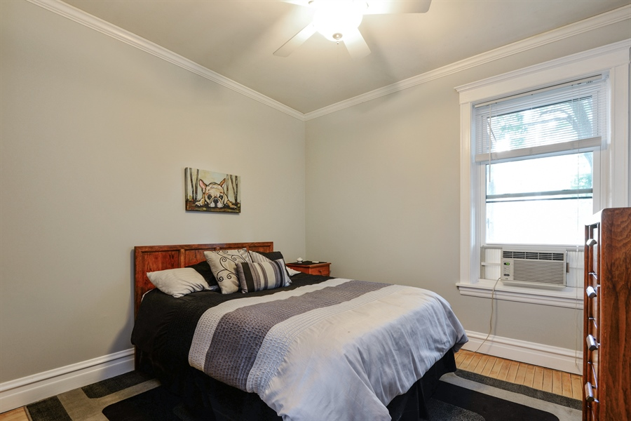 Real Estate Photography - 6221 N Magnolia Ave, 3S, Chicago, IL, 60660 - 2nd Bedroom