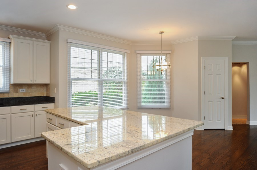 Real Estate Photography - 2100 Thistle Rd, Glenview, IL, 60026 - Kitchen