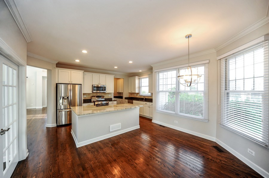 Real Estate Photography - 2100 Thistle Rd, Glenview, IL, 60026 - Kitchen / Breakfast Room