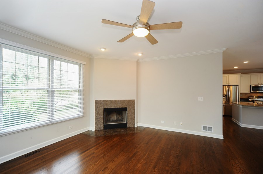Real Estate Photography - 2100 Thistle Rd, Glenview, IL, 60026 -