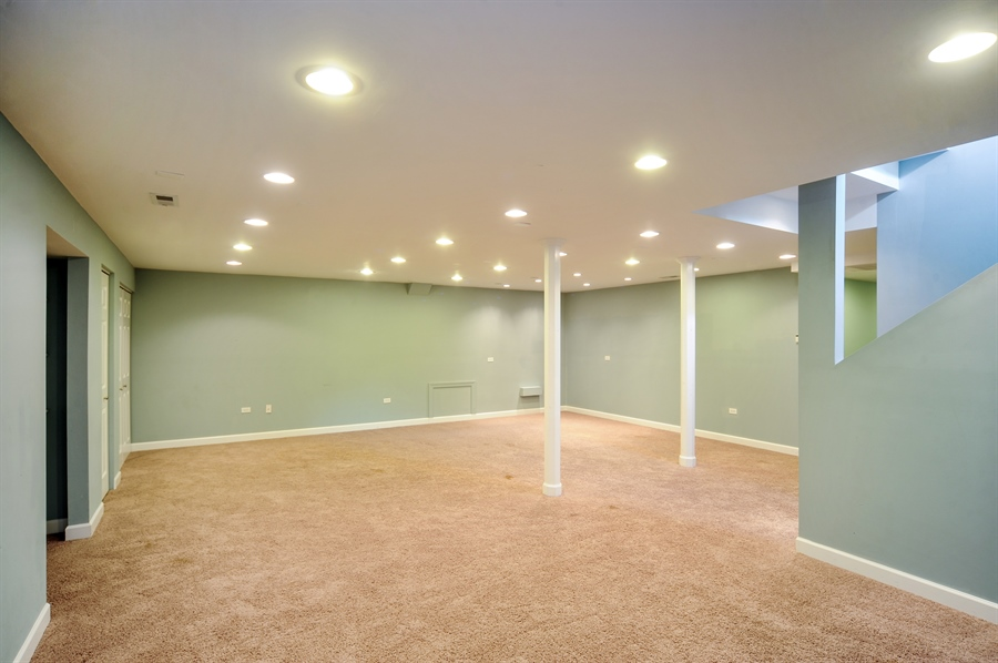 Real Estate Photography - 2100 Thistle Rd, Glenview, IL, 60026 - Basement