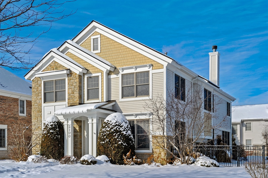 Real Estate Photography - 2100 Thistle Rd, Glenview, IL, 60026 - Front View