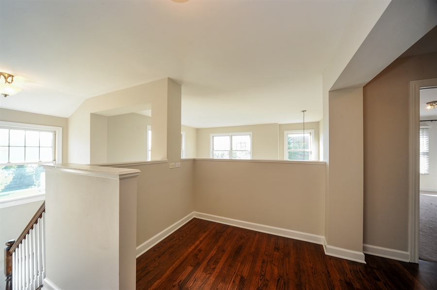 Real Estate Photography - 2100 Thistle Rd, Glenview, IL, 60026 - Loft