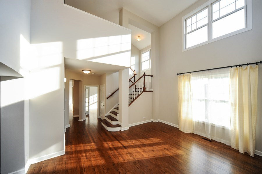 Real Estate Photography - 2100 Thistle Rd, Glenview, IL, 60026 - Staircase