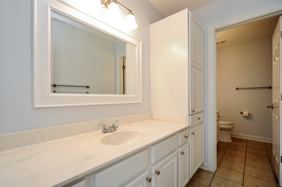 Real Estate Photography - 2100 Thistle Rd, Glenview, IL, 60026 - Bathroom