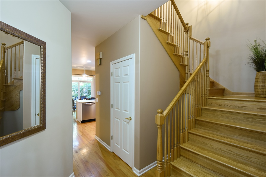 Real Estate Photography - 1214 Christine, Vernon Hills, IL, 60061 - Entryway