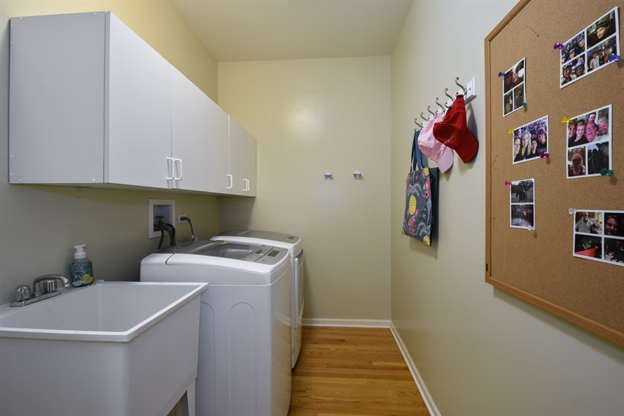 Real Estate Photography - 1214 Christine, Vernon Hills, IL, 60061 - Laundry Room / Mud Room