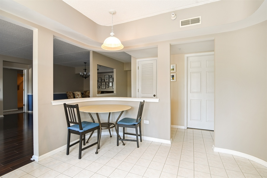 Real Estate Photography - 1325 Perry St, Unit 405, Des Plaines, IL, 60016 - Breakfast Area