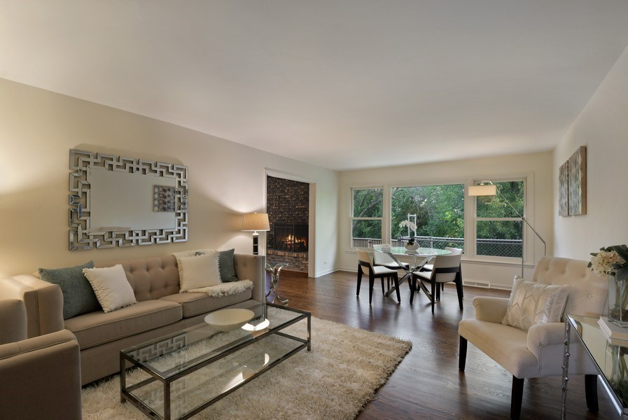 Real Estate Photography - 880 North Ave, Deerfield, IL, 60015 - Living Room