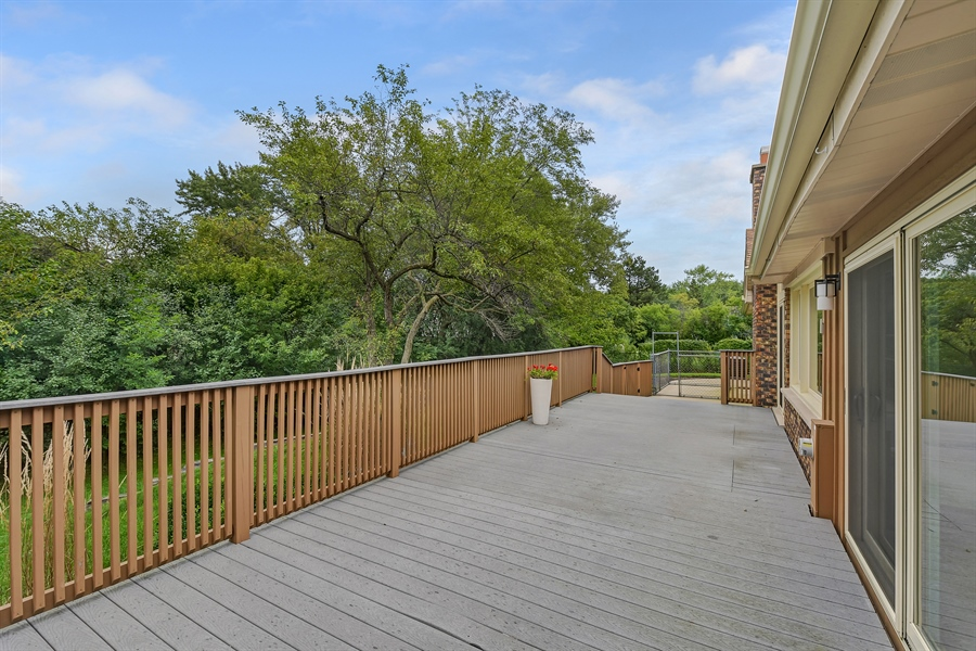 Real Estate Photography - 880 North Ave, Deerfield, IL, 60015 - Deck
