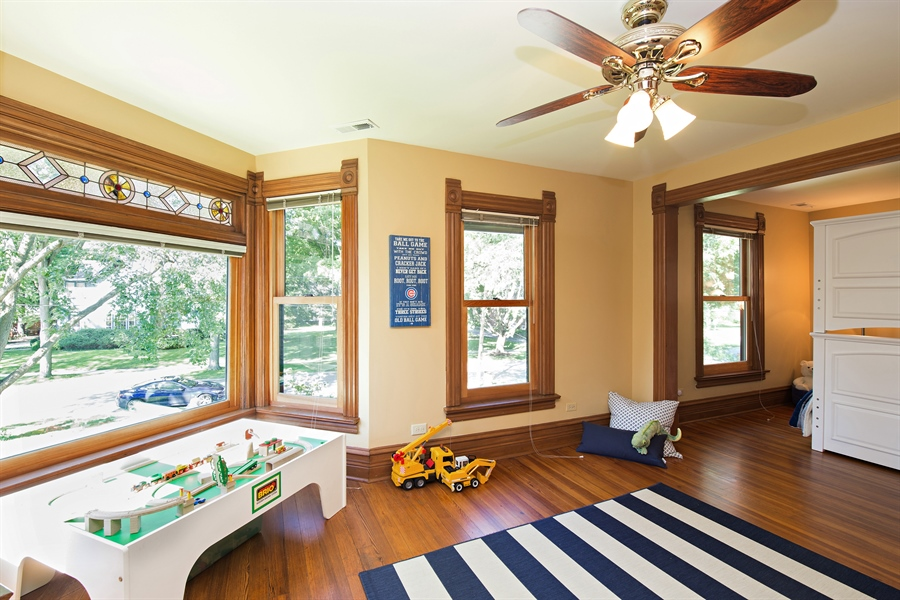 Real Estate Photography - 419 N Wheaton Ave, Wheaton, IL, 60187 - 4th Bedroom