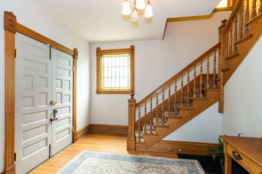 Real Estate Photography - 419 N Wheaton Ave, Wheaton, IL, 60187 - Foyer