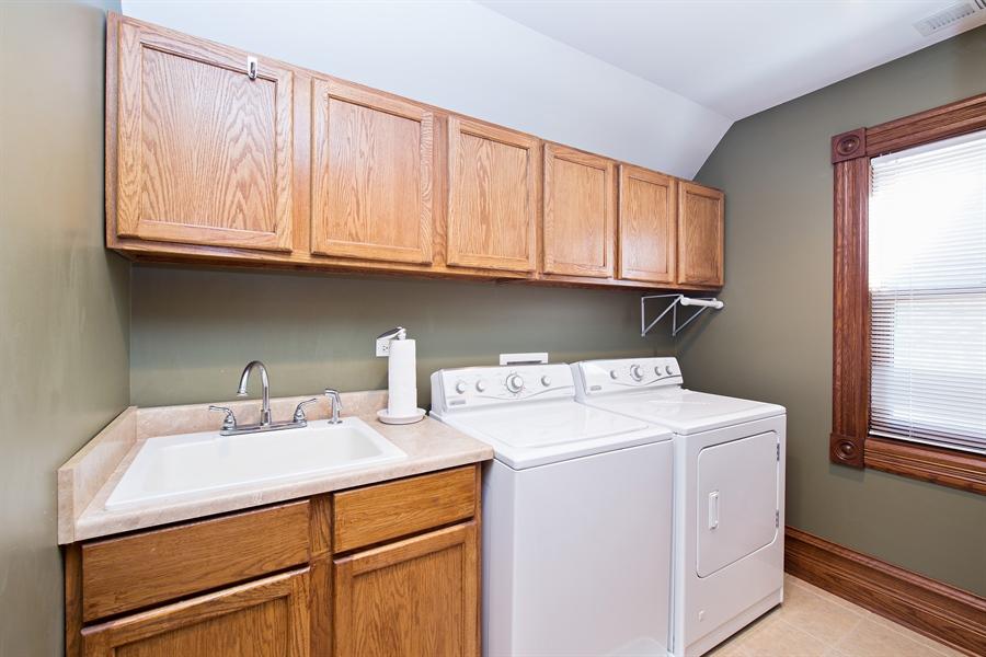 Real Estate Photography - 419 N Wheaton Ave, Wheaton, IL, 60187 - Laundry Room