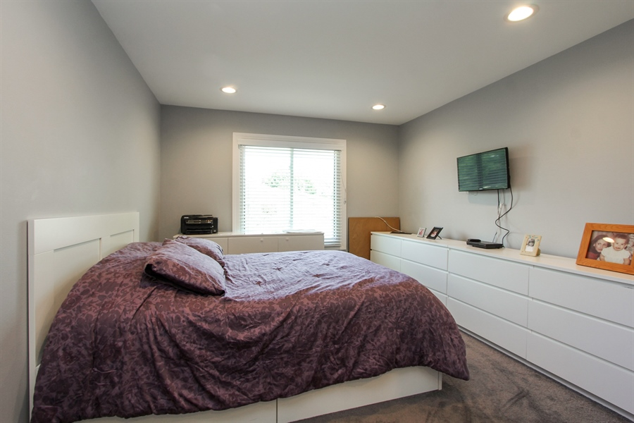 Real Estate Photography - 1003 Hayes Court, Vernon Hills, IL, 60061 - Master Bedroom