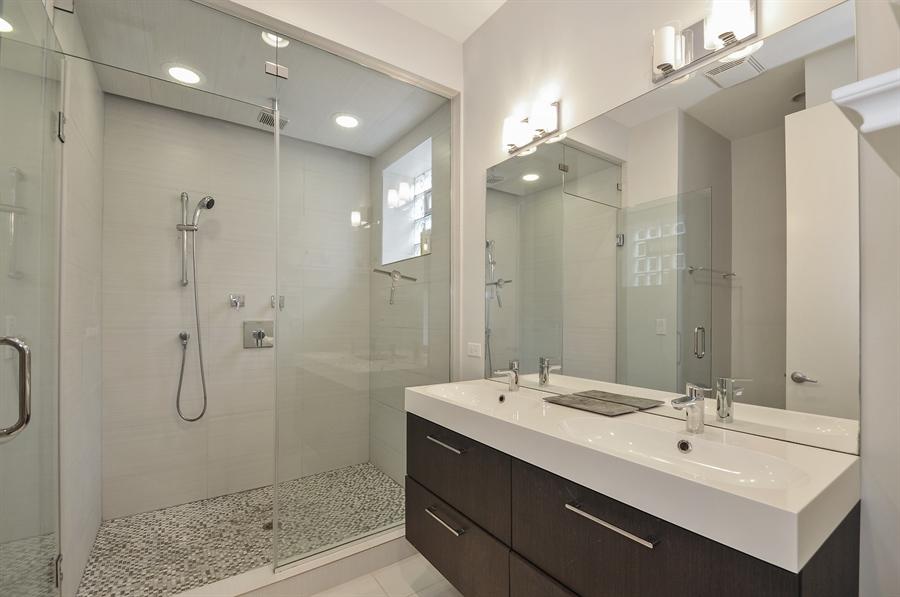 Real Estate Photography - 1542 N Artesian, 2, Chicago, IL, 60622 - Master Bathroom