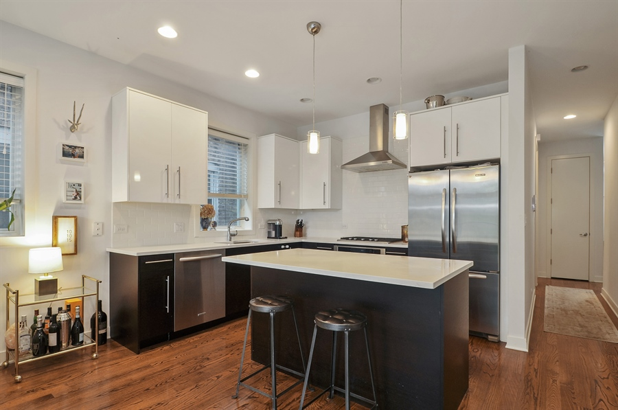 Real Estate Photography - 1542 N Artesian, 2, Chicago, IL, 60622 - Kitchen