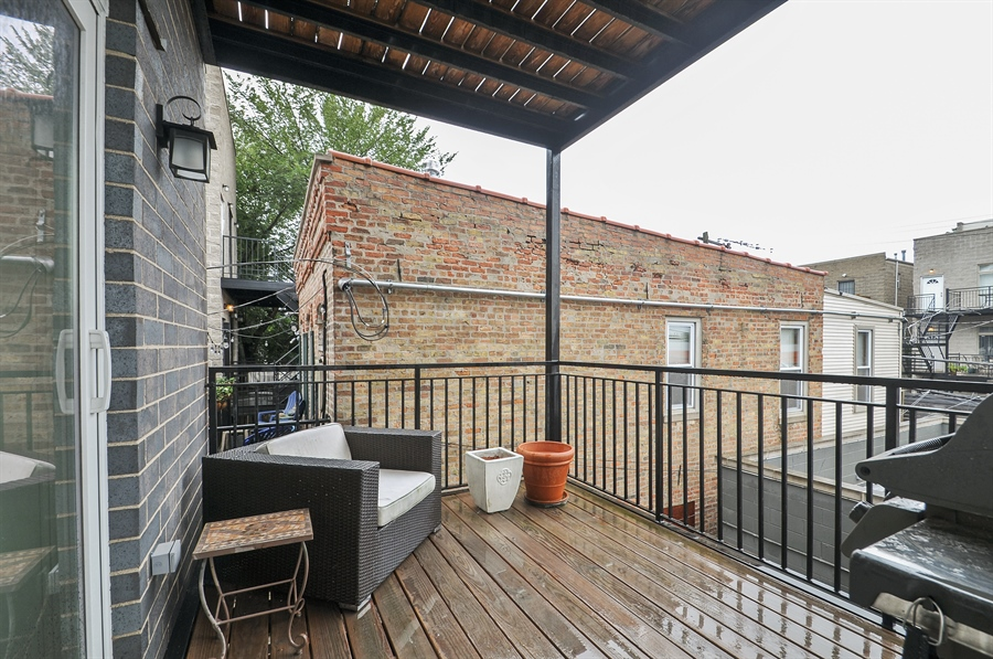 Real Estate Photography - 1542 N Artesian, 2, Chicago, IL, 60622 - Deck