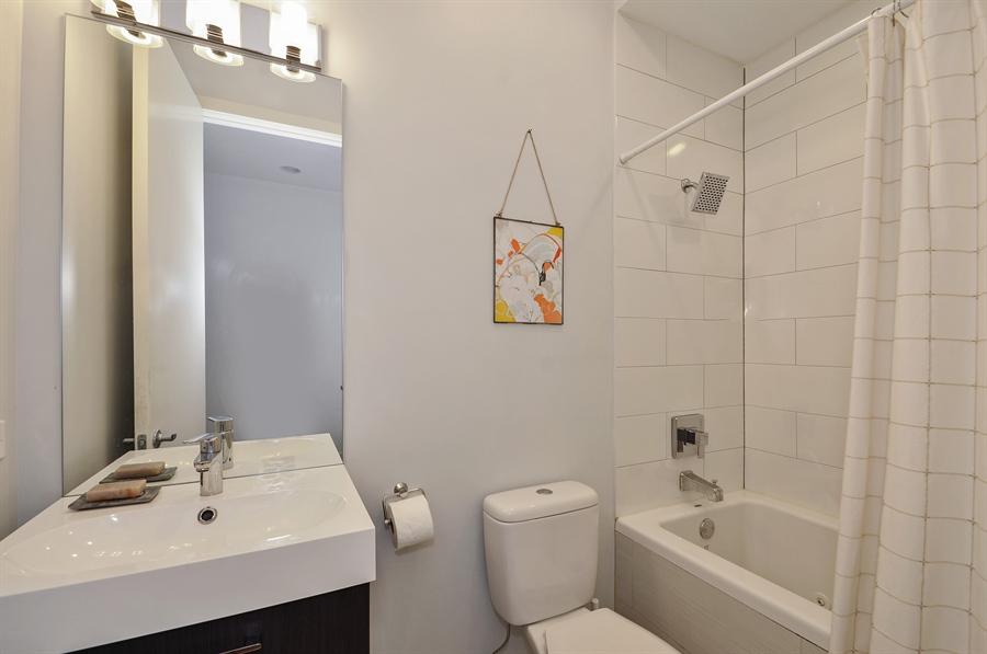 Real Estate Photography - 1542 N Artesian, 2, Chicago, IL, 60622 - Bathroom