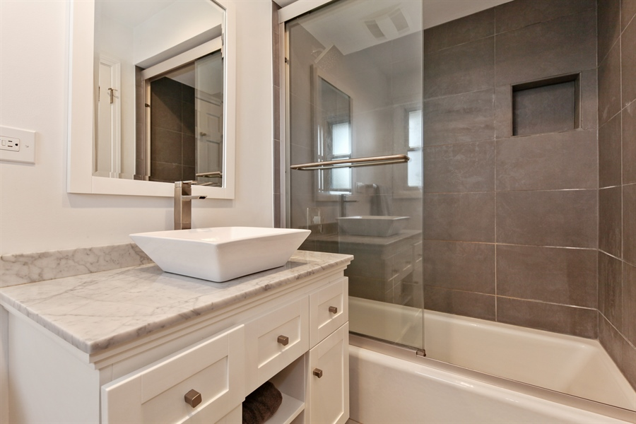 Real Estate Photography - 4025 Radcliffe Dr, Northbrook, IL, 60062 - Master Bathroom
