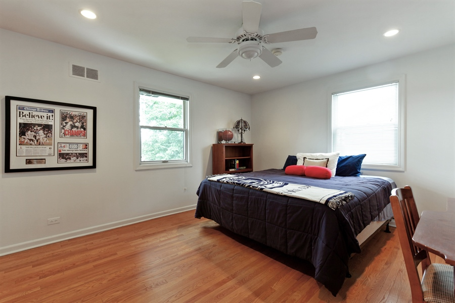 Real Estate Photography - 4025 Radcliffe Dr, Northbrook, IL, 60062 - 2nd Bedroom