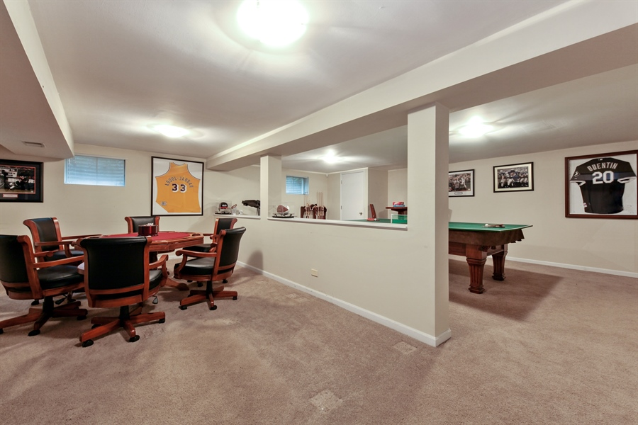 Real Estate Photography - 4025 Radcliffe Dr, Northbrook, IL, 60062 - Recreational Room