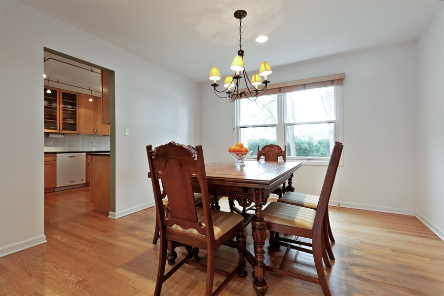 Real Estate Photography - 4025 Radcliffe Dr, Northbrook, IL, 60062 - Dining Room