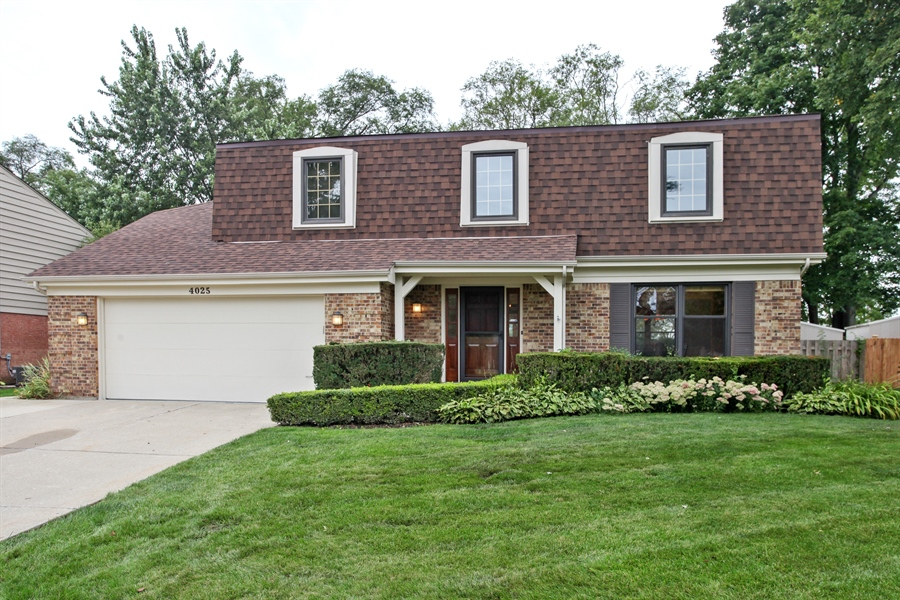 Real Estate Photography - 4025 Radcliffe Dr, Northbrook, IL, 60062 - Front View