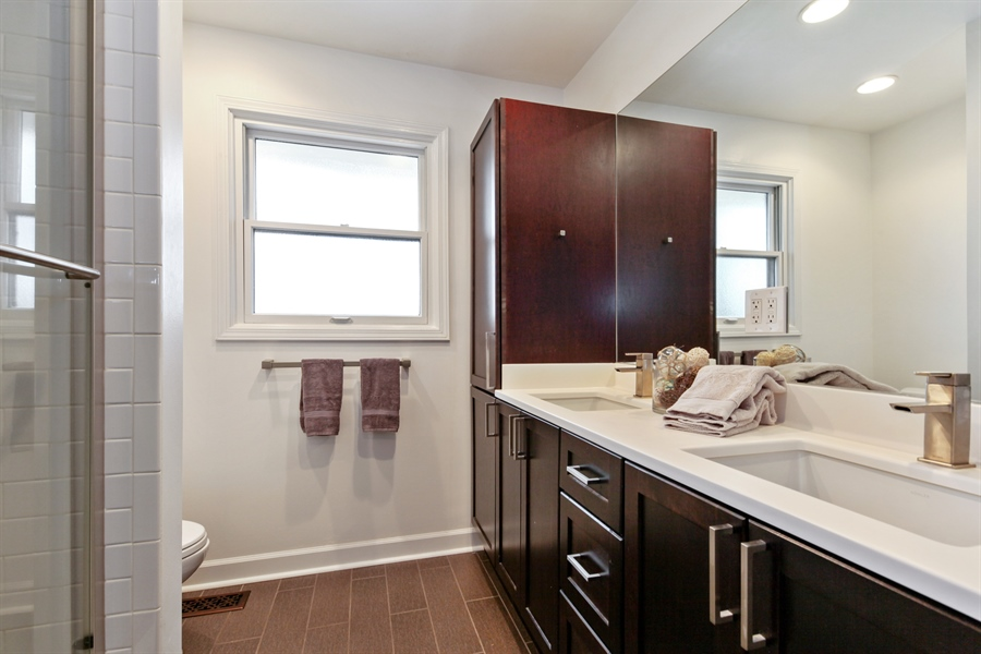 Real Estate Photography - 4025 Radcliffe Dr, Northbrook, IL, 60062 - 2nd Bathroom