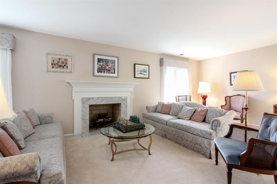 Real Estate Photography - 225 Lake Blvd, Unit 525, Buffalo Grove, IL, 60089 - Living Room