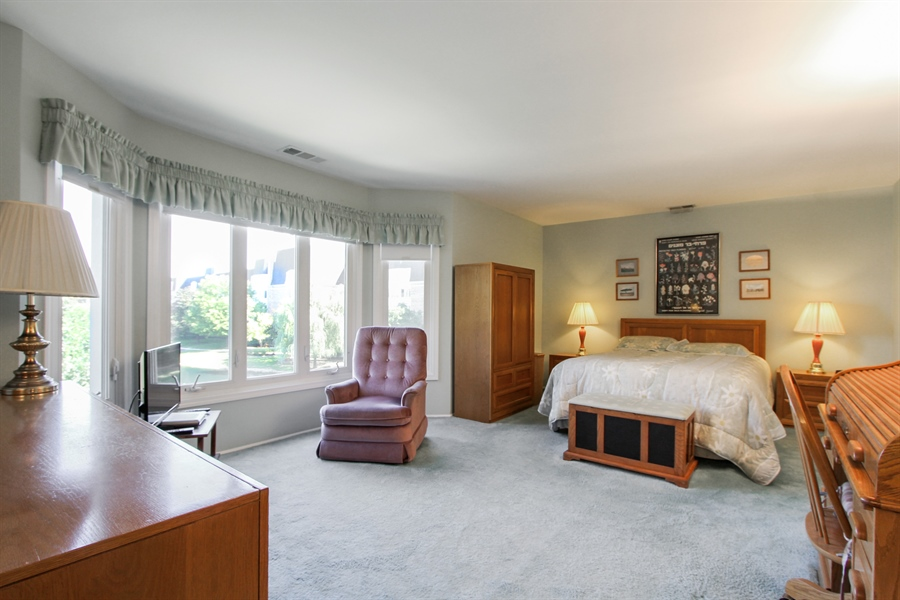 Real Estate Photography - 225 Lake Blvd, Unit 525, Buffalo Grove, IL, 60089 - Master Bedroom