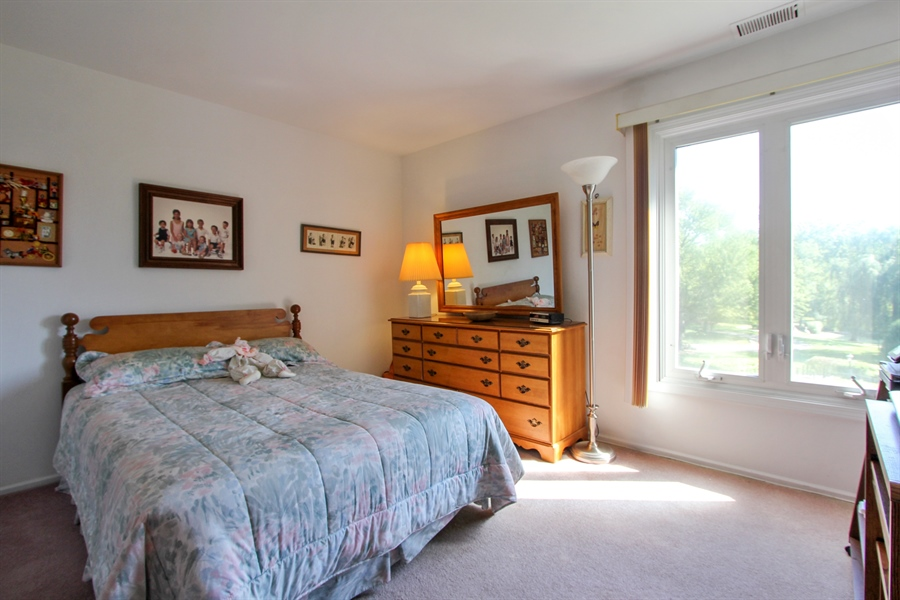 Real Estate Photography - 225 Lake Blvd, Unit 525, Buffalo Grove, IL, 60089 - 2nd Bedroom