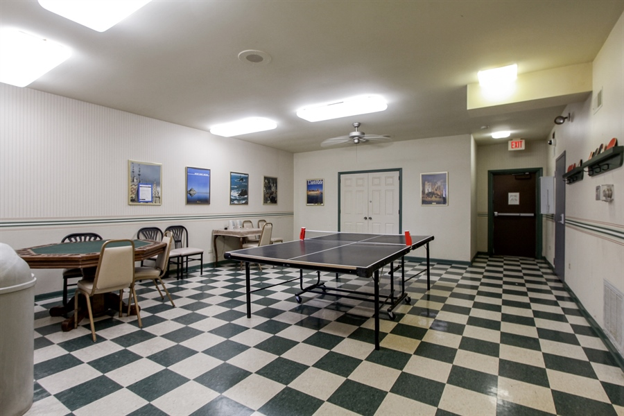 Real Estate Photography - 225 Lake Blvd, Unit 525, Buffalo Grove, IL, 60089 - Game Room