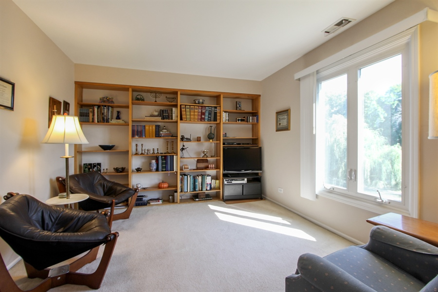Real Estate Photography - 225 Lake Blvd, Unit 525, Buffalo Grove, IL, 60089 - Den