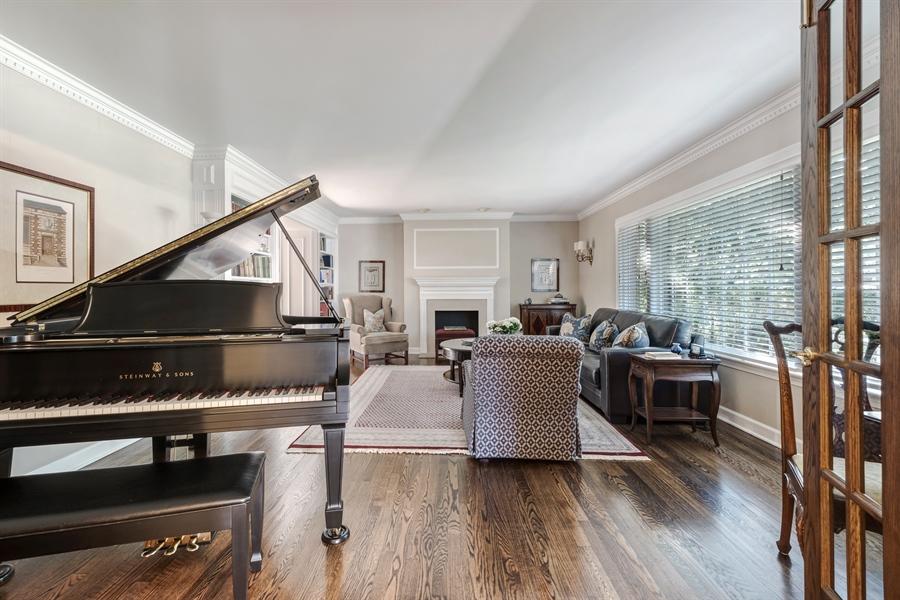 Real Estate Photography - 423 Northwood, Glencoe, IL, 60022 - Living Room