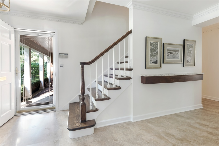 Real Estate Photography - 423 Northwood, Glencoe, IL, 60022 - Foyer