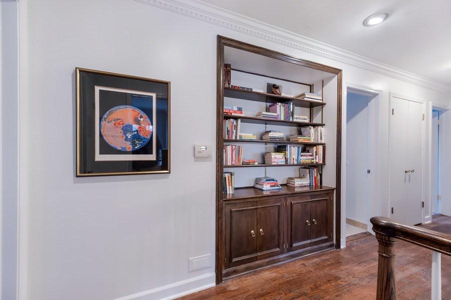 Real Estate Photography - 423 Northwood, Glencoe, IL, 60022 - Hallway